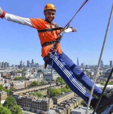 Image: Abseiling for St Mungo's
