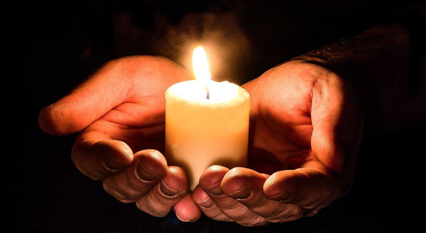 Image: Funeral-collections-candle